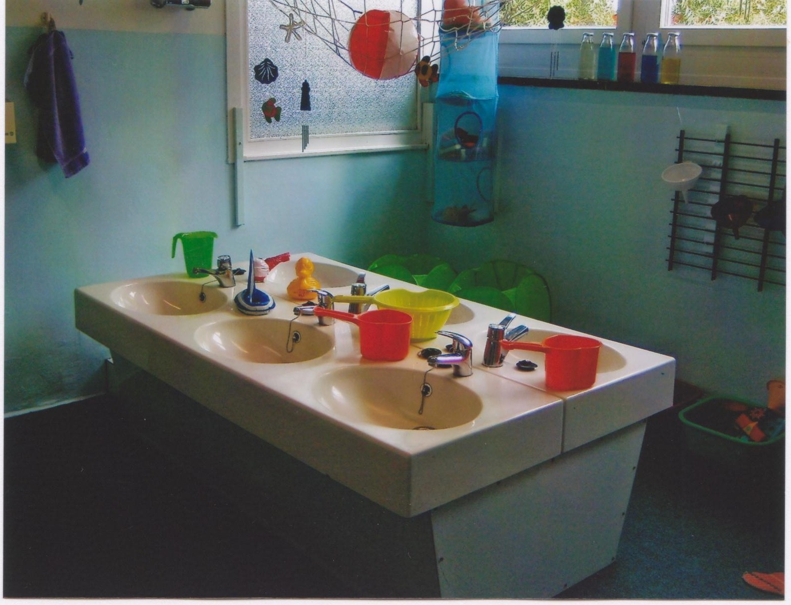 konzept kita froh sinn. Black Bedroom Furniture Sets. Home Design Ideas
